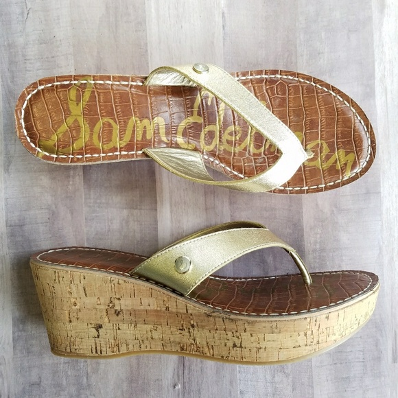 a353b0e64adaa0 Sam Edelman Romy Wedge Sandals Gold. M 5a98c5ca3800c5e931a86e8d